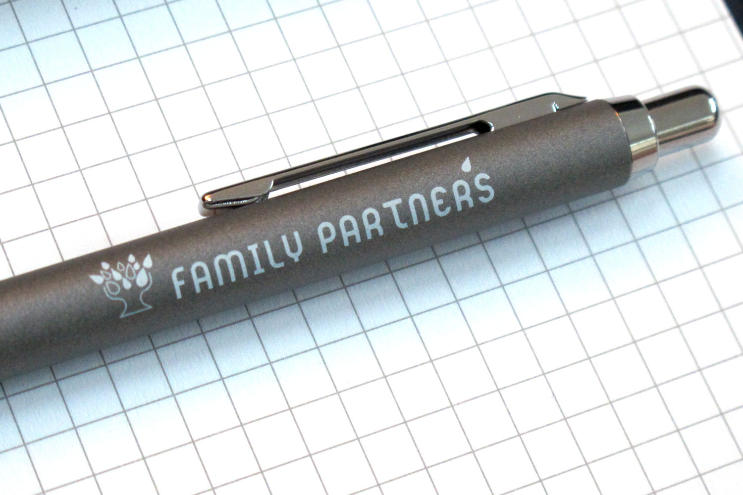 6_crabgraphic_stylo_Family_Partners